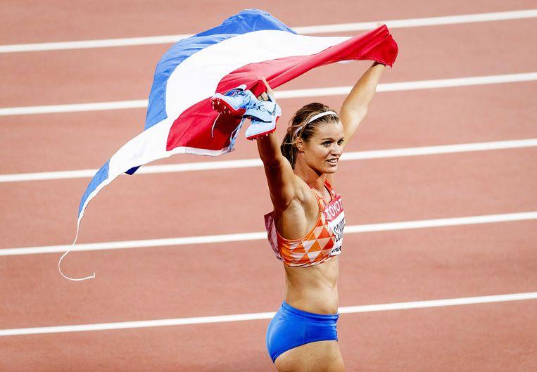 Dafne Schippers na haar gouden race op de 200 meter. Beeld ANP