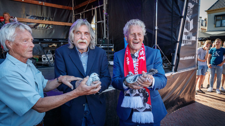 Excuses van Derksen 50 jaar nadat hij Kist bewusteloos sloeg