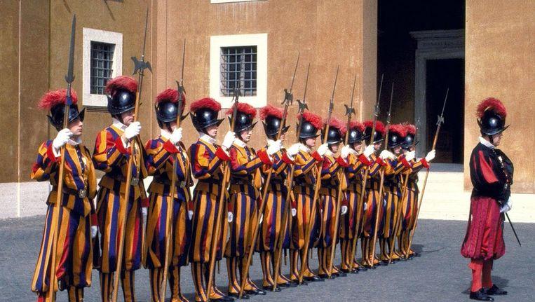 De Zwitserse Garde in het Vaticaan. Beeld ANP