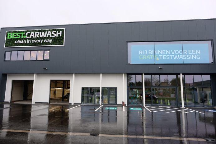Best Carwash opende dinsdag de deuren langs de Leuvensesteenweg.
