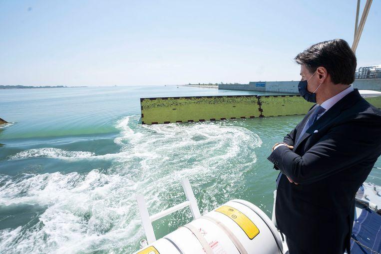 De Italiaanse premier Conte was aanwezig voor de demonstratie. Beeld EPA