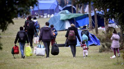 Franse ordediensten ontruimen groot migrantenkamp nabij Duinkerke