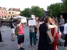 Demonstraties op Neude en in Nieuwegein tegen 'fascistische' Baudet