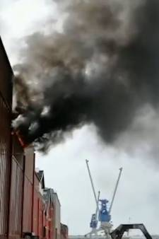 Tentamens onderbroken na grote brand aan dak Hogeschool Rotterdam