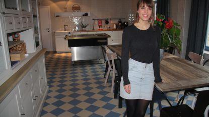 27-jarige Mareen uit Nederland opent groepsverblijf in oude herberg in Lampernisse