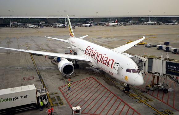 Een toestel van Ethiopian Airlines moest maandagavond  later vertrekken van op Brussels Airport nadat passagiers amok maakten aan boord.
