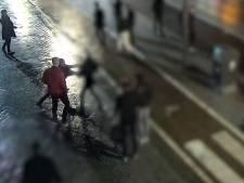 Politie toont beelden van mishandeling op Leidsebrug