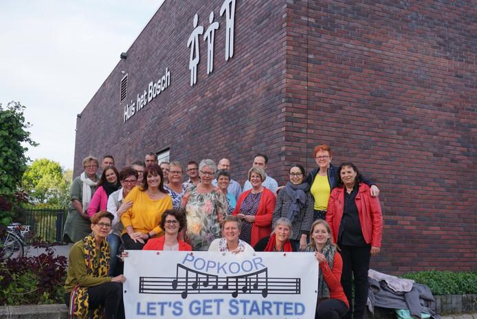 Let's Get Started telt 24 leden en repeteert wekelijks in Huis het Bosch, onder leiding van dirigent Raimond Metting.