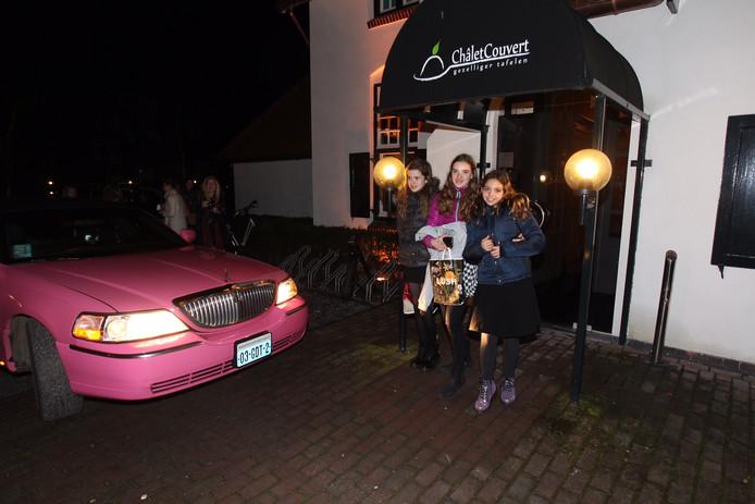 Aan het einde van haar droomdag werd Liz in een roze limousine teruggebracht naar Aarle-Rixtel.