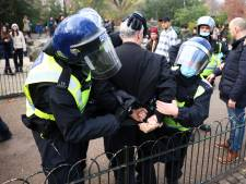 Plus de 60 arrestations lors de manifestations contre les mesures sanitaires à Londres