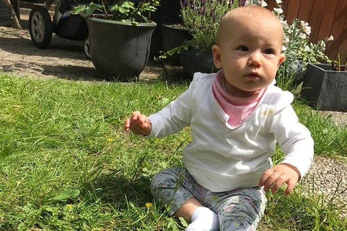 1-jarige Loua van ongeneeslijk zieke Kyra en Sjoerd.