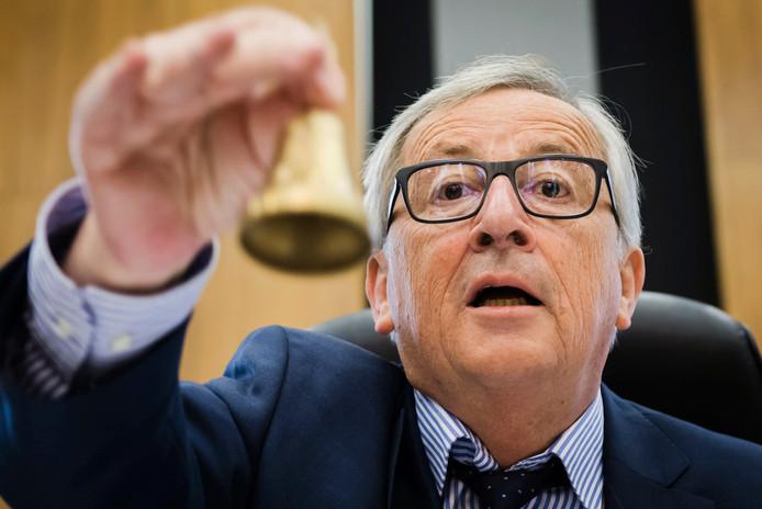Jean-Claude Juncker en de Europese Commissie waarschuwen Nederland: doe snel iets voor de zzp'ers.