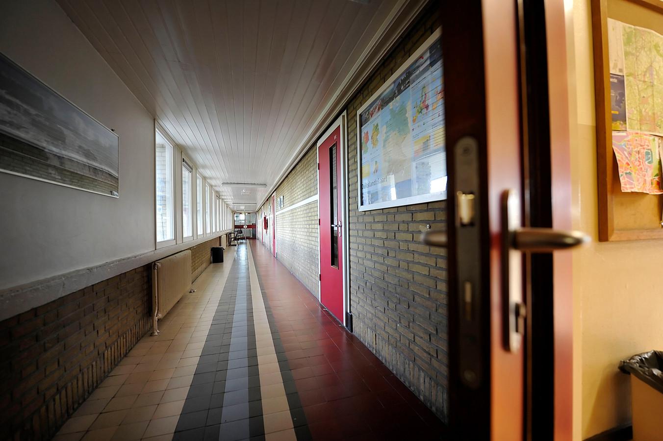 Lege gangen in Erasmus College in Almelo
