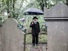 Joodse begraafplaats 's-Heerenberg wordt  opgeknapt: het verhaal van slager Izaak moet verteld