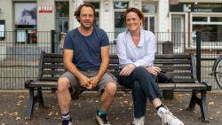 """Acteur Johan Petit en zus Lieve mogen hun ernstig zieke moeder al wekenlang niet bezoeken: """"'Ons moeder' zelfs op Moederdag niet mogen zien, is hartverscheurend"""""""