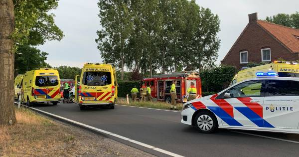 Ongeval met brommer en bestelbus op Rooiseweg in Schijndel: betrokkene zeer ernstig gewond.