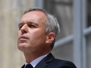 """""""Escroc, on te fera payer"""": le domicile de François de Rugy tagué"""