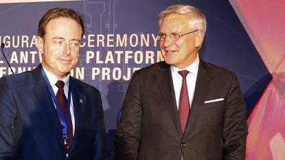 """Kris Peeters over Bart De Wever: """"We hebben al jaren geen contact meer en dat betreur ik"""" (en dat merkt ook hond Duffy)"""