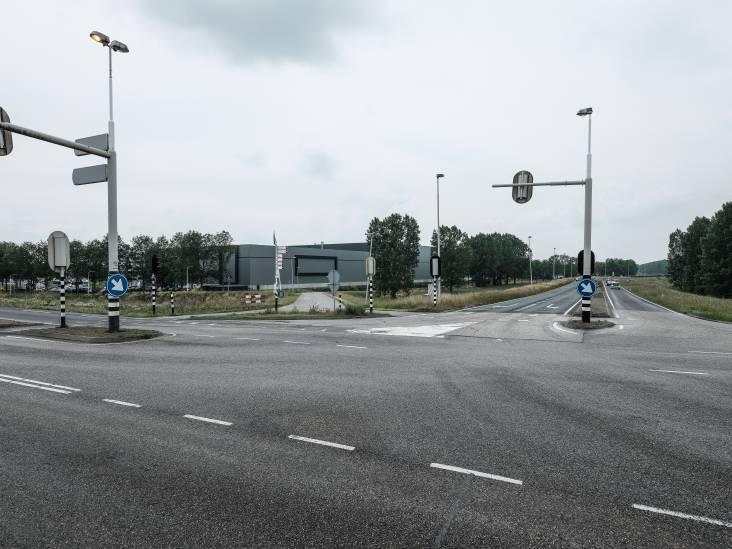 Automobilist moet extra kosten van verlengen snelweg A15 ophoesten