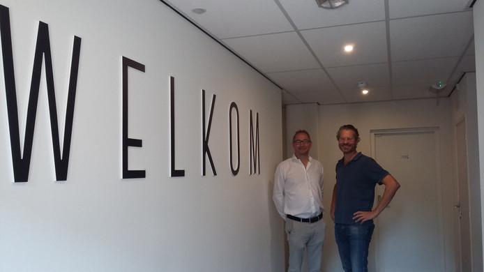 Ronald van der Sandt en Ewout van den Berg, twee van de drie eigenaren van Hotel Brasserie de Kaai.