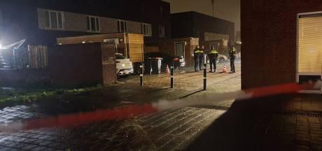 Politie op zoek naar beelden van beschieting woning in Hengelo: 'Wegrijdende personen gesignaleerd'