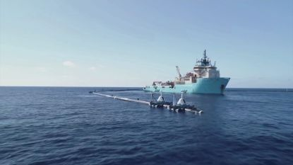 """Ingenieurs bekijken problemen met revolutionaire plasticvanger: """"Wat is het alternatief? Honderduizenden ton aan plastic gewoon laten liggen?"""""""