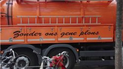 """Vlaamse ruimdienst maakt in Nederland kans op de slechtste reclameslogan van het jaar: """"Zonder ons gene plons"""""""