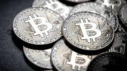 Bitcoin zakt opnieuw tot 10.000 dollar