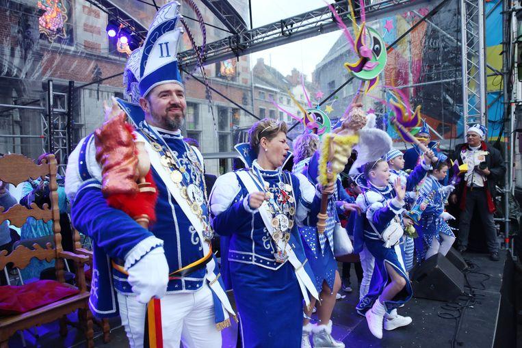 Prins Jurgen en Prinses Sasa op het podium tijdens Carnaval Halle in maart dit jaar.