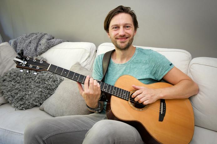 De Arnhemse singer-songwriter Bowe.