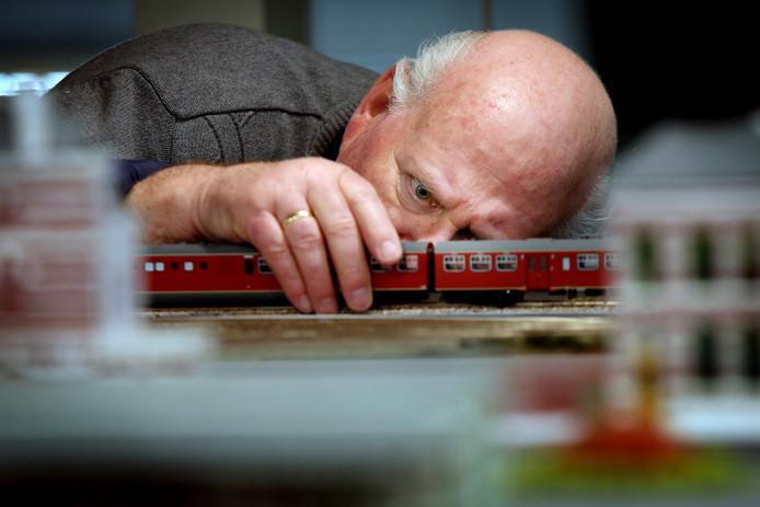 Ben Wentink is al sinds de oprichting in 1986 lid van modelspoorvereniging 'Baroniespoor'.