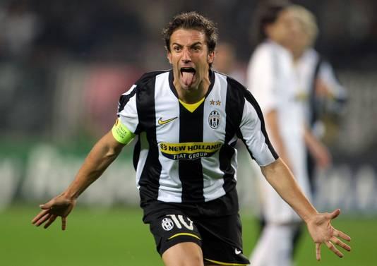 Alessandro Del Piero juicht na een van zijn 290 goals voor Juventus.