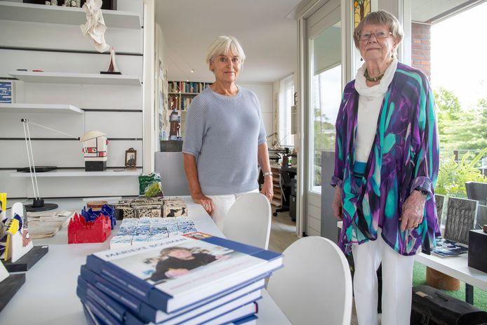 Annelies Barendrecht (links) heeft een biografie geschreven over kunstenares Marieke Bouman (rechts).