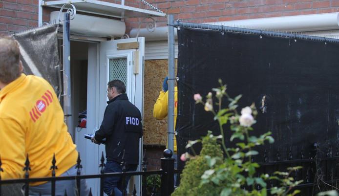 Politieonderzoek bij de beschoten woning in Den Bosch.