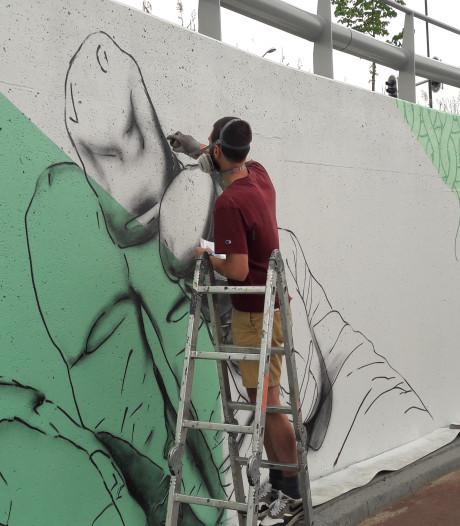Graffiti in fietstunnel Schijndel blijft nu wél zitten