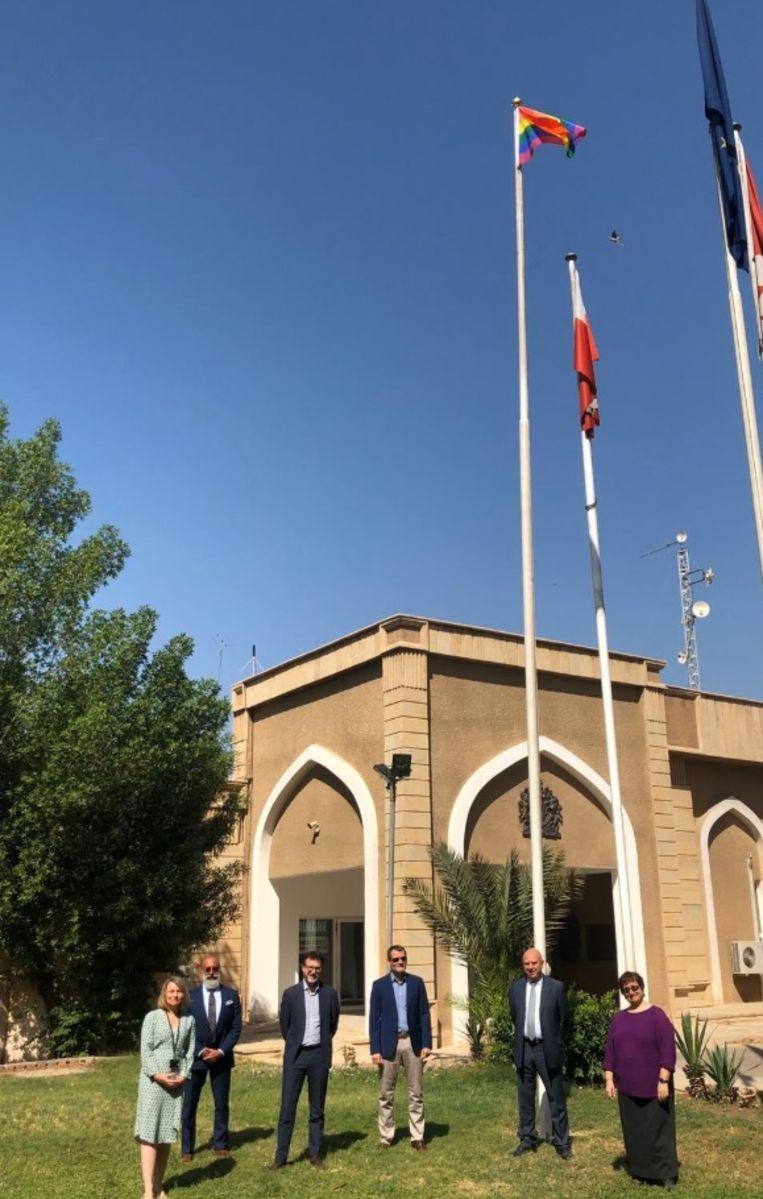 Ook de Canadese ambassade (foto) volgde het voorbeeld van de vertegenwoordiging van de Europese Unie.