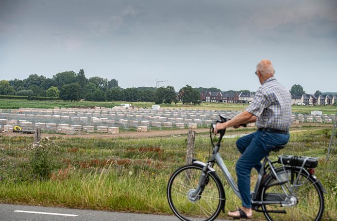 De aanleg van het zonnepark in Beneden-Leeuwen.