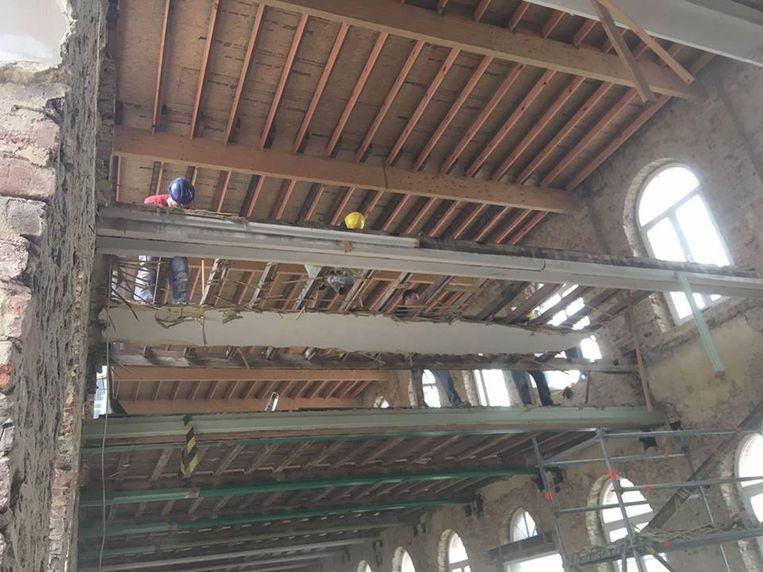 Werken aan de bovenverdieping van het parochiecentrum. De chirolokalen komen op de verdieping