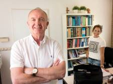 'Klassieke' huisarts Hans Smit neemt na veertig jaar afscheid van zijn Ermelose patiënten