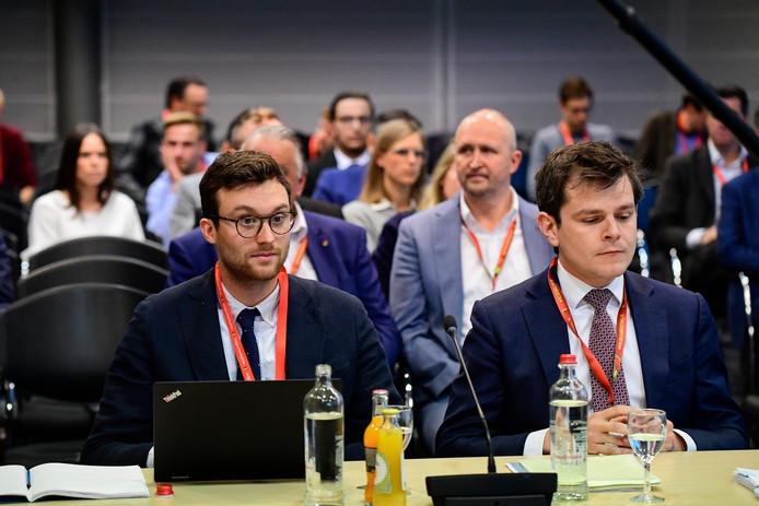 Les avocats Basil Saen et Lawyer Sven Demeulemeester, représentant KV Mechelen.