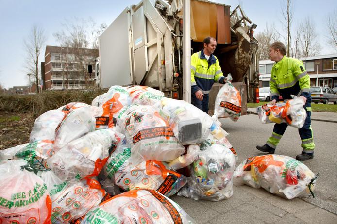 Cylus zamelt het plastic afval in, onder meer in Gouda en Bodegraven-Reeuwijk.