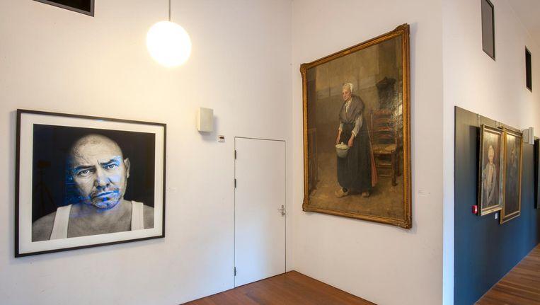 Portrettengalerij in de Stadsschouburg Amsterdam. Beeld sander heezen