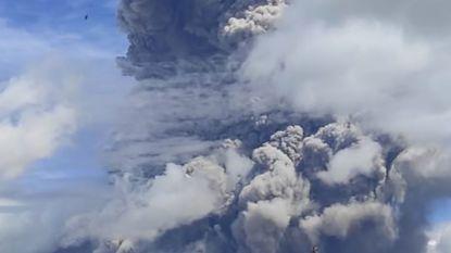 Indonesische vulkaan Mount Sinabung barst derde keer uit in week tijd