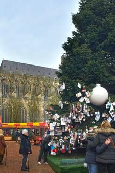 Waarom wordt er - zonder morren - wel 30.000 euro overgemaakt voor Joris' Kerstboom?