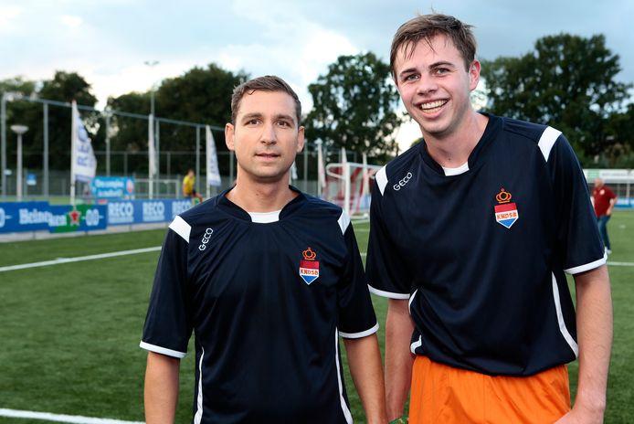 Goran Trajanov (31) uit Alphen en Freek van Zandwijk (20) uit Oudewater stonden afgelopen vrijdagavond beiden in het veld tegen Alphense Boys. Met het Nederlands Dovenelftal bereiden zij zich voor op de Deaflympics, volgend jaar in Brazilië.