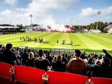Ajax zorgt zelf voor vuurwerk tijdens 'uitzwaaitraining'