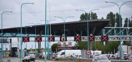 Vrouw overleden bij ongeluk in Westerscheldetunnel: beide buizen dicht