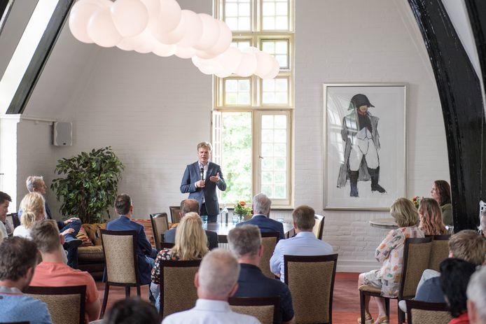 Pieter Omtzigt sprak zondag nog met CDA'ers uit heel Twente in Tubbergen.