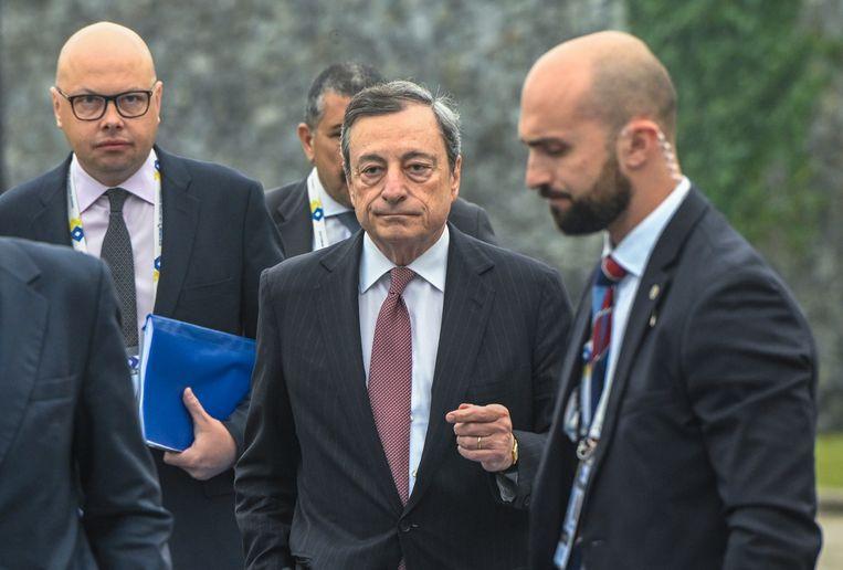Mario Draghi dinsdagochtend tijdens het ECB-forum in Sintra.  Beeld Getty