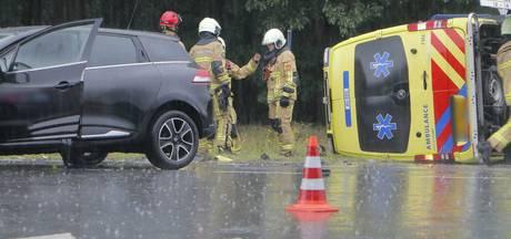 Ambulancemedewerker gewond bij aanrijding